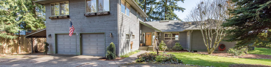 Extraordinary 3 bedroom home perched above the magestic Elwha River -$625,000